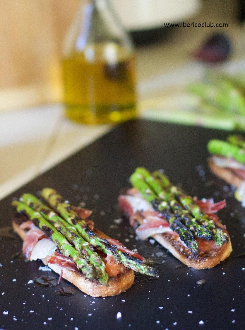 Acorn fed Ibérico Ham With Asparagus