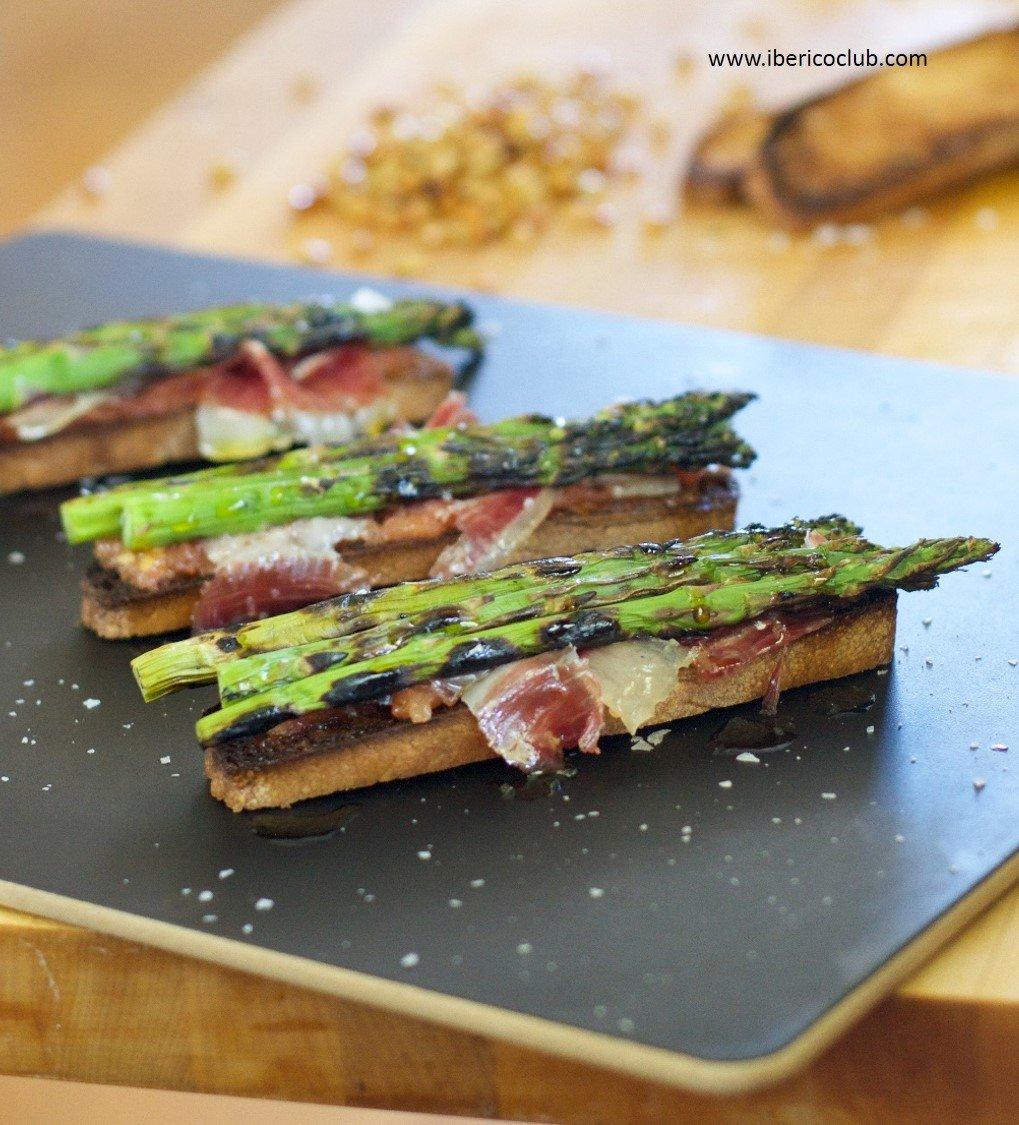 Jamon Iberico de bellota with asparagus